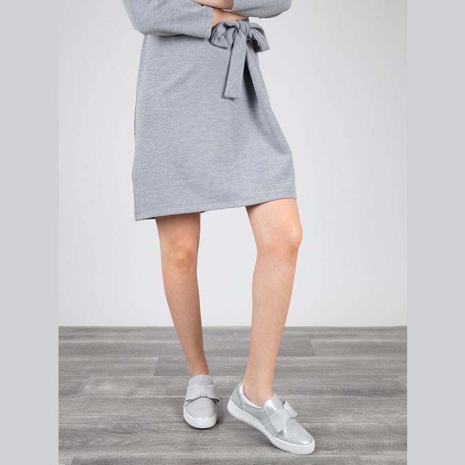 Kožená Slip-on obuv s mašlí bata, stříbrná, 516-2605 - 18