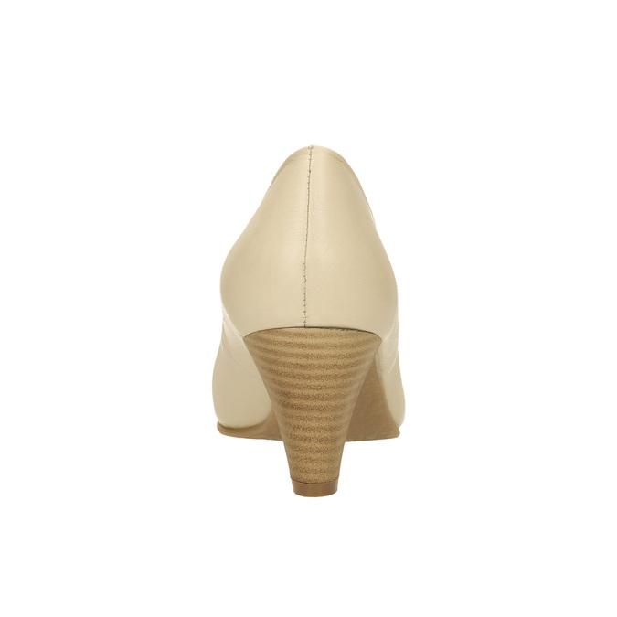 Kožené lodičky na zkoseném podpatku bata, béžová, 624-1600 - 17