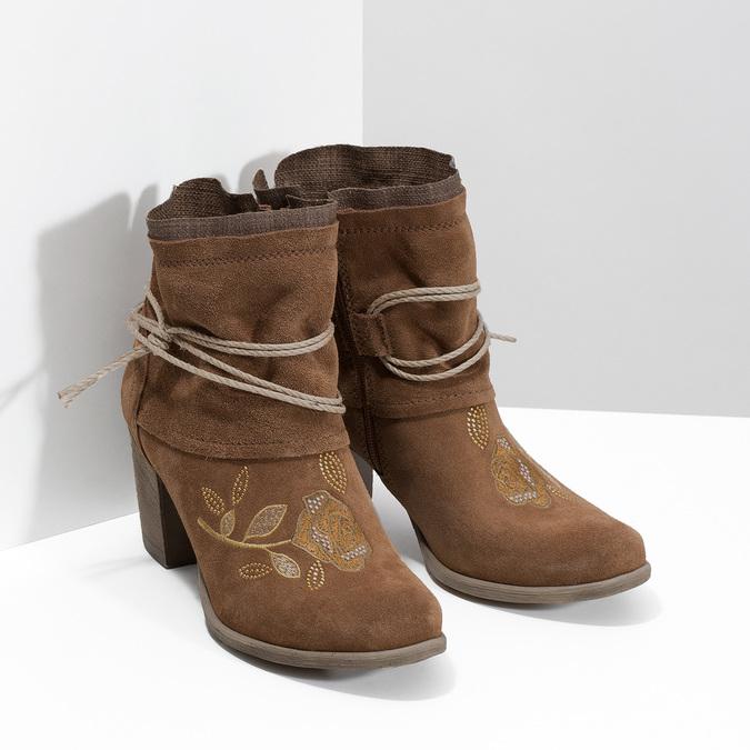Kožené kotníčkové kozačky s výšivkou bata, hnědá, 696-4655 - 26