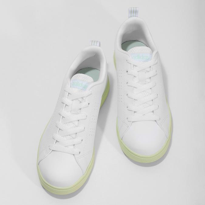 Dámské bílé tenisky se zelenou podešví adidas, bílá, 501-1733 - 16