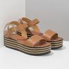Kožené sandály na pruhované flatformě bata, hnědá, 666-4633 - 26