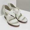 Bílé kožené sandály na klínku s pružením flexible, bílá, 666-1618 - 26