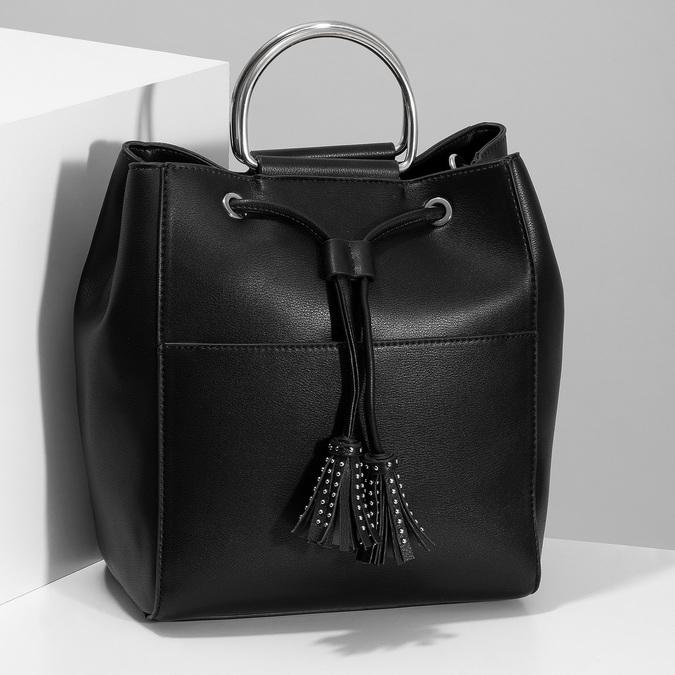 Černá kabelka se střapcem a kovovými uchy bata, černá, 961-6930 - 17