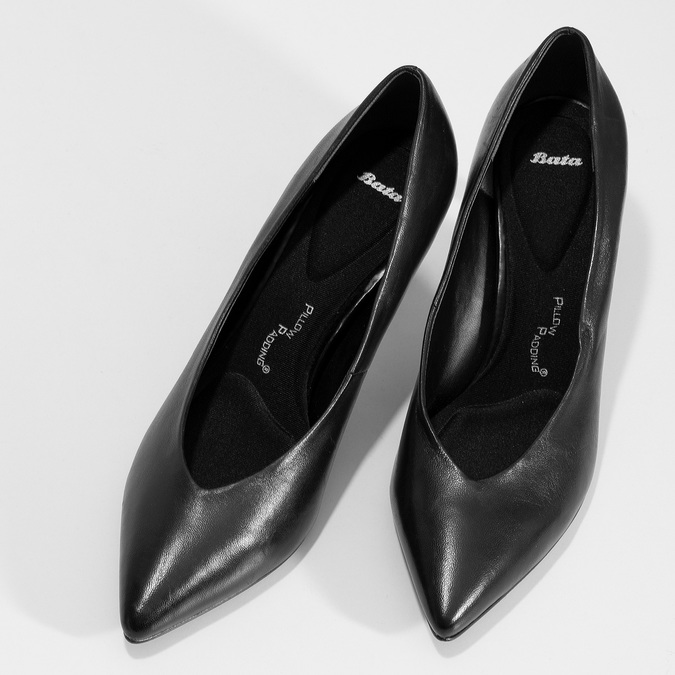 Černé kožené lodičky do špičky pillow-padding, černá, 624-6651 - 16