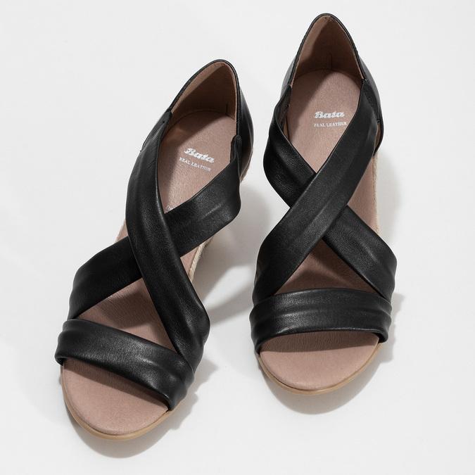 Kožené černé sandály na klínku bata, černá, 654-6600 - 16