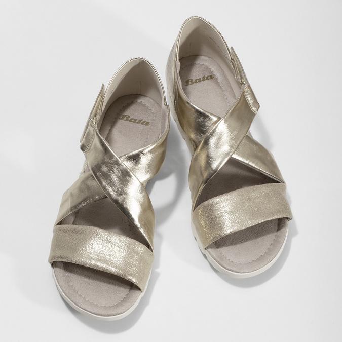 Zlaté dámské sandály na světlé podešvi bata, zlatá, 561-8606 - 16